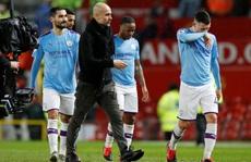 Hoãn trận đại chiến Man City - Arsenal vì Covid-19