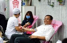 Người lao động hiến máu tình nguyện
