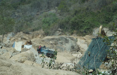 Kiến nghị xử lý công ty ngang nhiên khai thác mỏ bất chấp lệnh dừng