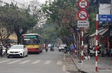 CLIP: 11 tuyến phố Hà Nội mà doanh nghiệp taxi kiến nghị bỏ biển cấm