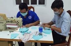 Tặng 10.000 khẩu trang vải cho người lao động