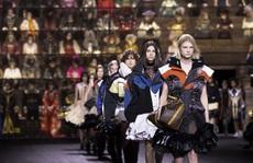 Ngành thời trang toàn cầu điêu đứng