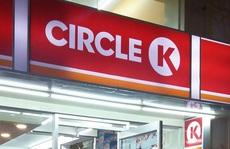 Một người nước ngoài dương tính SARS-CoV-2 đã ngồi cùng hàng chục người tại cửa hàng Circle K