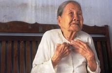 Covid-19: Cụ bà 93 tuổi làm việc lan tỏa, chủ quầy thuốc làm chuyện thất đức