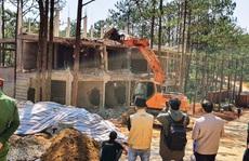 Đà Lạt cưỡng chế khu nghỉ dưỡng cao cấp 'băm nát' hồ Tuyền Lâm