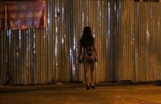 Thanh niên mua dâm nhầm 'trai giả gái' bị cướp luôn điện thoại