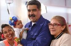 Tổng thống Venezuela kêu gọi phụ nữ sinh... 6 con