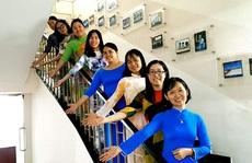 Vận động nữ CNVC-LĐ mặc áo dài