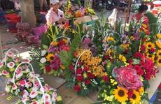 Chợ hoa ế ẩm dù sắp tới lễ 8-3