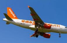 Máy bay quay đầu 2 lần vì hàng loạt hành khách say xỉn
