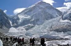 Xe buýt rơi vào khe núi, 19 người thiệt mạng ở dãy Himalaya