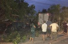 Quảng Nam: Đi tập thể dục, bà bị xe tải tông chết, 2 cháu trọng thương