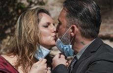 Lễ cưới đặc biệt khi nước Ý đang phong tỏa vì dịch Covid-19