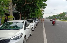 Vượt trạm kiểm dịch Covid-19, tài xế ô tô bị tước bằng lái xe 2 tháng