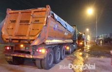Đồng Nai: 'Phục kích' bắt nhiều xe có dấu hiệu chở quá tải trong đêm