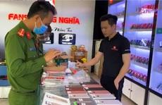 Phát hiện 3 cửa hàng, siêu thị bán hàng chục chiếc Iphone 'lậu' ở Quảng Bình
