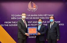 Việt Nam trao tặng vật tư y tế hỗ trợ Nhật, Mỹ