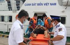 CLIP: Ngạt khí trên tàu ở Phú Quốc, 1 người chết, 5 người nguy kịch