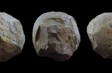29 quả bóng đá ma quái trong hang động những loài người khác