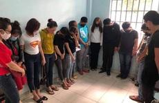 Đà Nẵng: Bắt quả tang nhóm nam nữ 'bay lắc' trong karaoke bất chấp lệnh cấm