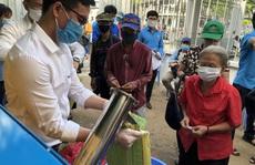 Công đoàn TP HCM có máy 'ATM gạo' cho người lao động khó khăn