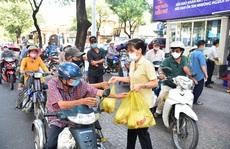'ATM thực phẩm miễn phí': Nhân rộng những tấm lòng nhân ái