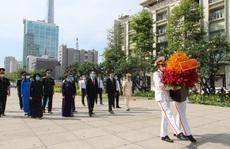 Lãnh đạo TP HCM dâng hương, dâng hoa tưởng niệm Chủ tịch Hồ Chí Minh, các anh hùng liệt sĩ
