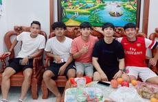 Vừa tập huấn, Công Phượng tranh thủ đến Vũng Tàu thăm nhà Trần Minh Vương