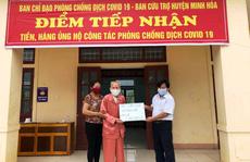 Xúc động hình ảnh cụ già 104 tuổi ở Quảng Bình ủng hộ 2 triệu đồng chống dịch Covid-19