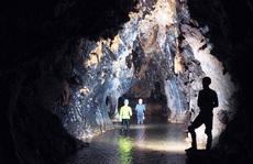 Quảng Bình phát hiện 12 hang động mới kỳ vĩ, nguyên sơ và chưa từng có dấu chân người