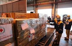 Lô hàng viện trợ nhân đạo từ Việt Nam tới Ý vào tối 3-4