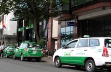 200 taxi túc trực tại 33 bệnh viện ở TP HCM chở miễn phí người bệnh