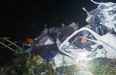 Xe tải chở rau rơi xuống vực đèo Bảo Lộc trong đêm, tài xế nguy kịch