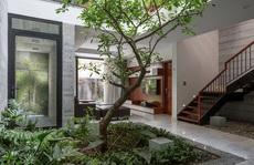 Nhà thiết kế với nhiều khu vườn nhỏ bên trong