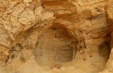 Sửa đường sắt, vô tình 'mở cửa' ngôi đền bí ẩn trong hang sa thạch