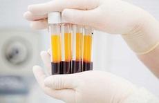 Covid-19: Hai người bệnh nặng hồi phục sau khi điều trị bằng huyết tương