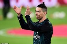 Chia tay Real Madrid, 'thợ săn danh hiệu' Ronaldo được gì, mất gì?
