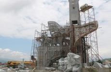 Quảng Nam: Huyện nghèo dựng tượng đài 14 tỉ đồng