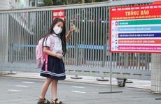 Học sinh tiểu học, mầm non háo hức trở lại trường sau 3 tháng nghỉ vì Covid-19
