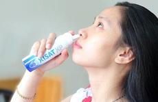 Có nên dùng nước muối sinh lý rửa mũi hằng ngày?