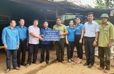 LĐLĐ Quảng Bình: Hỗ trợ máy phát điện cho 2 trạm bảo vệ rừng '3 không'  ở vùng sâu