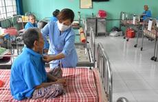 Hậu 'ATM thực phẩm miễn phí': Nụ cười của những người không gia đình
