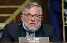 Bị FBI 'tịch thu điện thoại', Chủ tịch Ủy ban Tình báo Thượng viện Mỹ từ chức