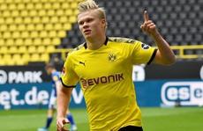 'Sát thủ' Haaland rực sáng, Dortmund đại thắng derby Bundesliga