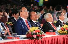 Thủ tướng dự Cầu truyền hình 'Hồ Chí Minh, sáng ngời ý chí Việt Nam' tại TP HCM