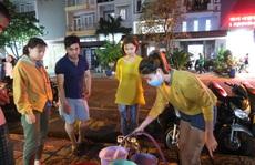 CLIP: Gần 2.000 người ở chung cư Thái An 3 & 4 khổ sở vì cúp nước cả ngày