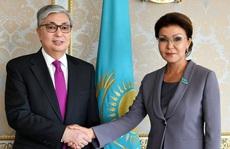 """""""Nước cờ táo bạo"""" của Tổng thống Kazakhstan"""
