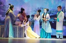 Sân khấu kịch giảm giá vé để hút khách