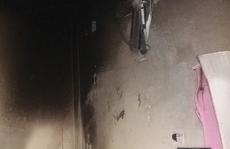 Phòng ngủ bất ngờ bốc cháy, vợ chồng và 2 con nhỏ bỏng nặng
