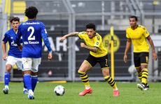 Dortmund: 'Tứ bề thọ địch' Bundesliga